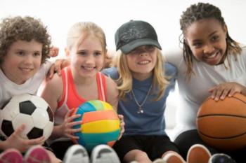 Kinderen Met Sportballen