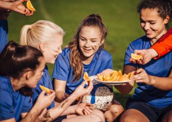 Kinderen Partjes fruit eten