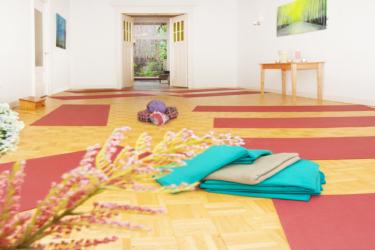 Nieuwe yogalessen met yoga muse
