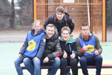 Winston Gerschtanowitz brengt bezoek aan Speciaal Cruyff Court in Rosmalen